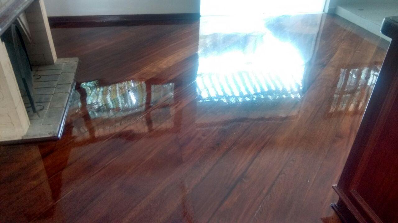 Reparo em Piso de Madeira TUPANCI - Restauração de Taco de Madeira