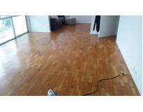 restauração de piso de madeira laminado preço na Vila Nogueira